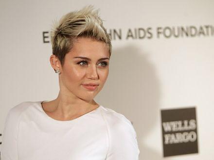 Miley Cyrus nie musi się rozbierać