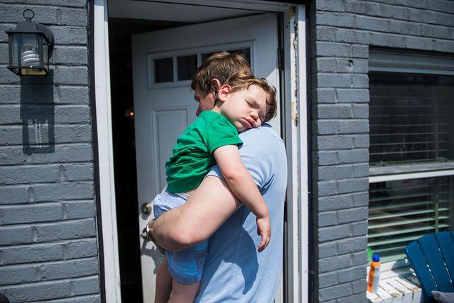 Michał spotykał się z Anną przez kilka miesięcy i w końcu wprowadziła się do jego mieszkania