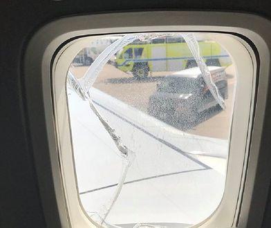 Szyba pękła w trakcie lotu. Samolot musiał zawracać
