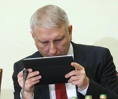Stanisław Karczewski i Tadeusz Cymański w negatywnym tonie mówili o twitterowym wpisie Stanisława Pięty dotyczącym protestu rodziców osób niepełnosprawnych