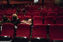 IV fala pandemii, płatne szczepienia i powrót obostrzeń. Co z kinami i restauracjami?