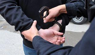 Stołeczni policjanci zatrzymali 4 nastolatków. Planowali zamach na szkołę? (Zdjęcie ilustracyjne)
