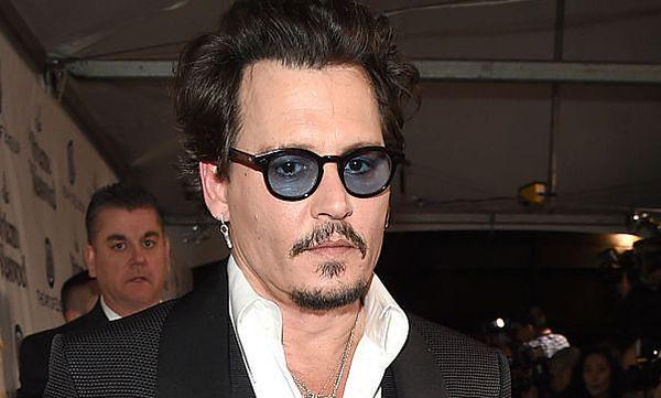 """Johnny Depp broni się przed zarzutami Amber Heard. """"Nie jestem głupi"""""""