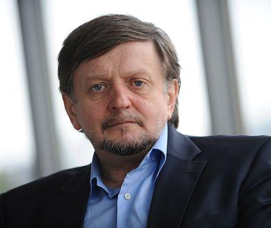 """Stanisław Janecki, prowadzący """"W tyle wizji"""""""