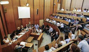 Proces ws. głośnego zabójstwa Romów na Węgrzech - naprzeciwko sędziego siedzi czterech oskarżonych