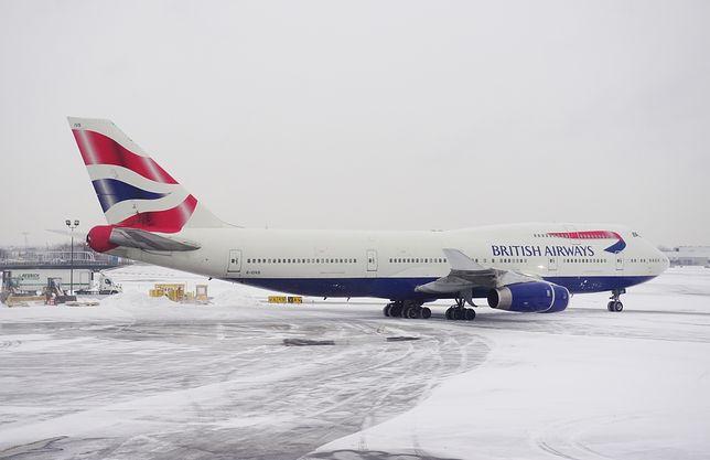 Piloci brytyjskiej linii tłumaczyli decyzję o powrocie do stolicy Niemiec ograniczoną przepustowością londyńskiego lotniska.