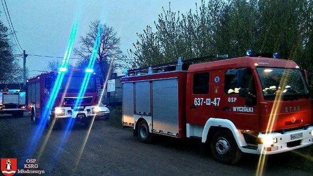 Pożar na Saskiej Kępie. Jedna osoba trafiła do szpitala