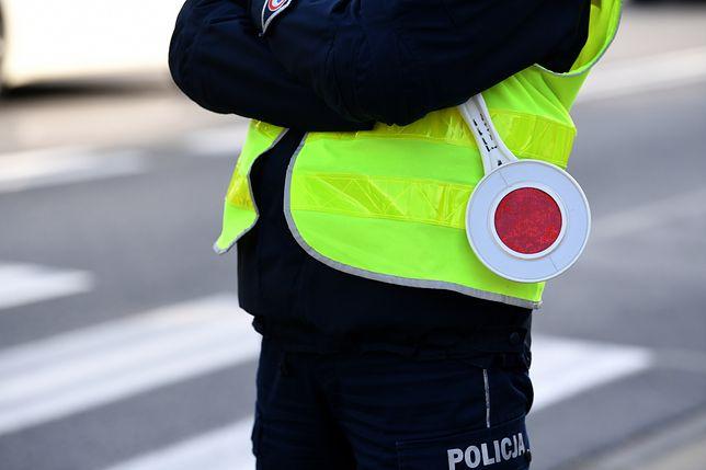 Włocławek. Policjant rozsyłał zdjęcia genitaliów. Został zwolniony