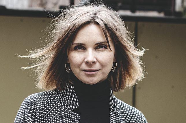 """Anna Dziewit-Meller napisała książkę o skrywanych traumach. """"Chyba wszyscy powinniśmy się wybrać na narodową terapię"""""""