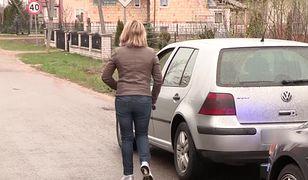 Kobieta wyprzedziła radiowóz swoim golfem. Nie spodziewała się policjantów w aucie ze spojlerem