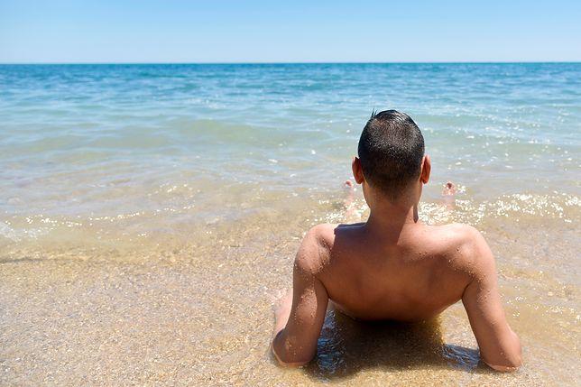 """""""Nagie"""" wakacje. Coraz popularniejszy trend wśród Europejczyków"""