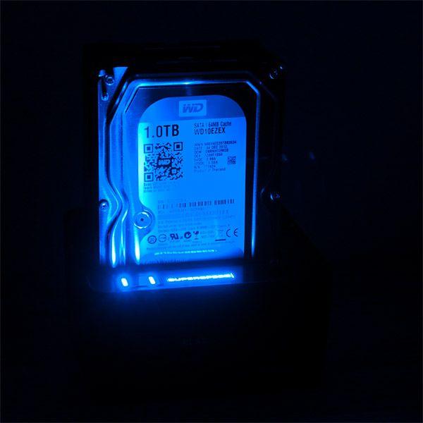 wściekłe niebieskie światło w nocy spać nie daje :)