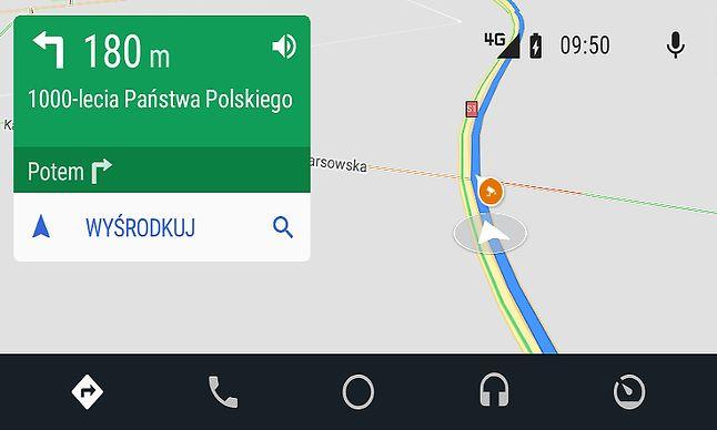 Ostrzeżenia o fotoradarach w Mapach Google są wyświetlane także w Androidzie Auto, fot. Oskar Ziomek.