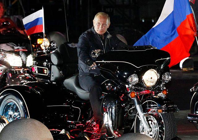 Ulubieni motocykliści Putina odwiedzą Polskę