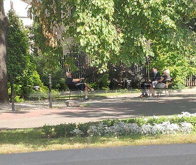 Koronawirus w Grodzisku Mazowieckim. Burmistrz pracuje przed urzędem