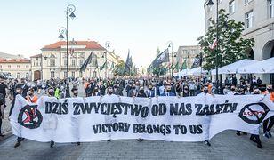 Marsz Zwycięstwa, mimo zakazów, przemaszerował ulicami Warszawy
