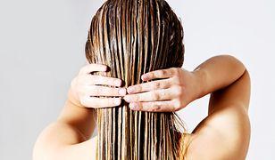 Maska o włosów zapewnia dogłębną regenerację nawet najbardziej zniszczonym pasmom