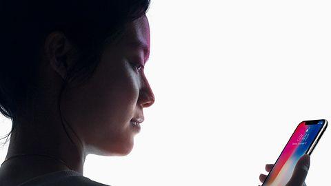 Face ID zawodne? Niekoniecznie, iPhone'a X trzeba umieć trzymać