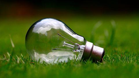 Oszczędzaj prąd gdziekolwiek jesteś. Aplikacje, dzięki którym zapłacisz mniej