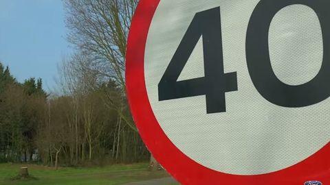 Mniej mandatów? Mapy Google poinformują kierowców o ograniczeniach prędkości