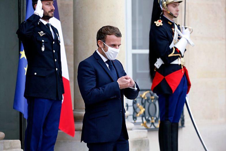 Koronawirus we Francji. Imigranci szybciej otrzymają obywatelstwo
