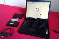 Era (głupiego?) upraszczania złącz i portów - Obrazek z Wikipedii (hasło Dell Inspiron laptops) na licencji CC BY-SA 4.0