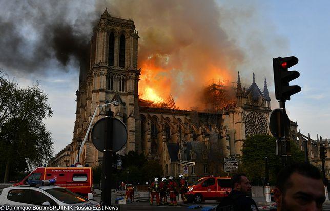 """Notre Dame w ogniu. """"Przyczyną pożaru mogła być iskra ze spawarki"""""""