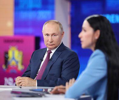 """""""Hakerzy zaatakowali Putina"""". Incydent podczas konferencji"""
