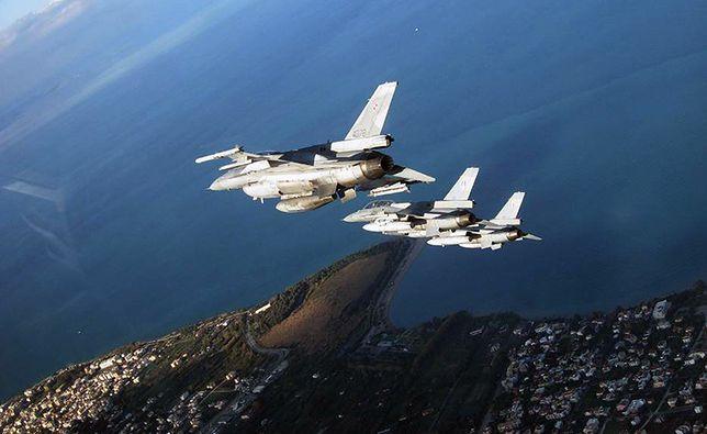 """Pierwsza taka misja polskich F-16. """"Dyżury bojowe"""""""