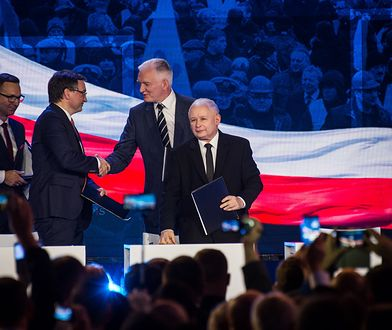 Rózga zamiast prezentów. Jarosław Kaczyński na razie nie sypnie kasą dla koalicjantów