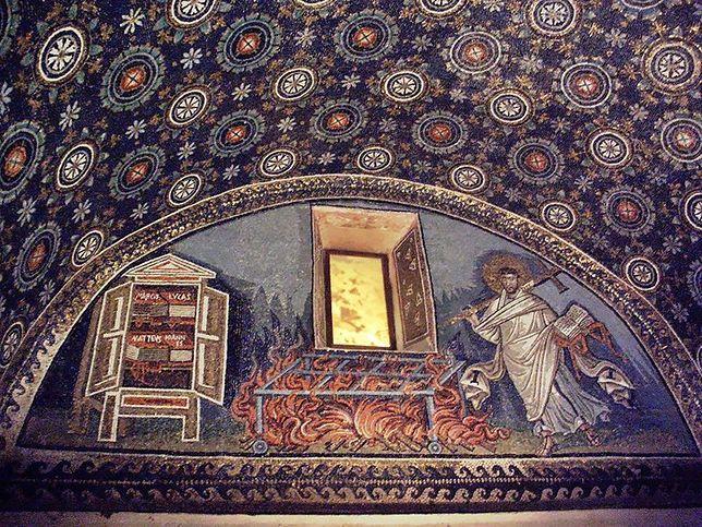 Mauzoleum Galli Placydii w Rawennie zachwyca pięknymi mozaikami