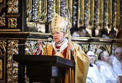 Abp Marek Jędraszewski o apostazji w krakowskim Kościele. Podał dane