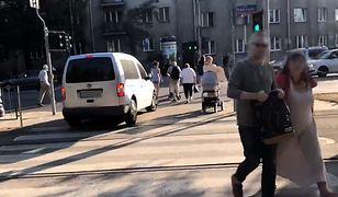 Mężczyzna zaparkował w niedozwolonym miejscu niedaleko placu Wilsona