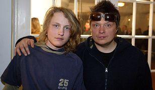 Muniek Staszczyk z synem w 2005 r.