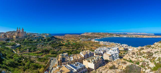 Mellieha znajduje się w w północno-zachodniej części Malty, do jej atrakcji należy Popeye Village