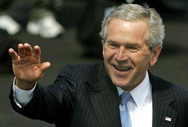 Bush potrącił rowerem policjanta