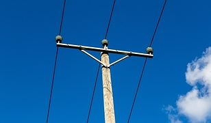 Słup energetyczny opóźnił prace przy ulicy Nowolazurowej