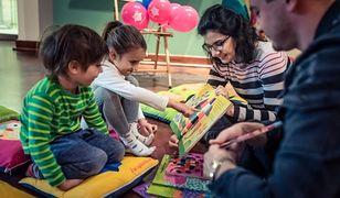 Bajkoterapia to forma edukacji poprzez zabawę