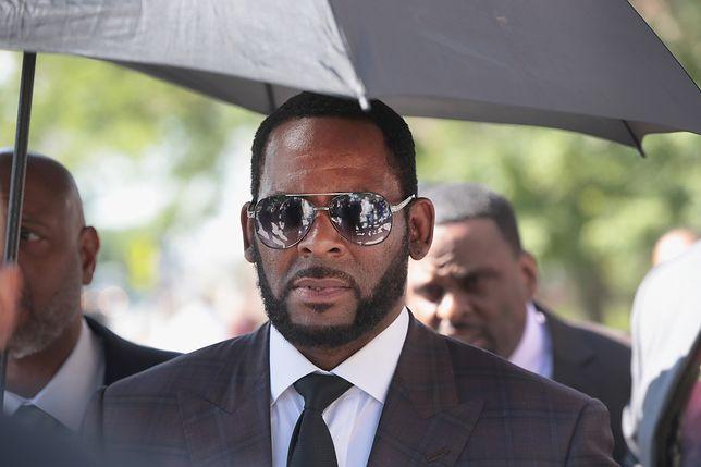 R.Kelly stara się o pieniądze na pozyskanie prawnika Michaela Jacksona