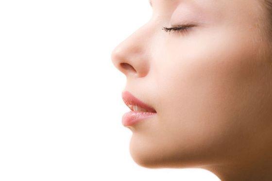 Dbanie o skórę atopową wymaga codziennej, regularnej pielęgnacji i konsekwencji w działaniu.