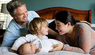 Ojcowie czerpią więcej radości z rodzicielstwa