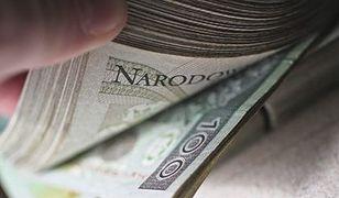 Dysproporcje między wysokością pensji w różnych województwach coraz większe