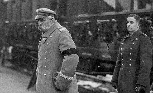 Józef Piłsudski na dworcu w Warszawie, 2 lutego 1935 roku