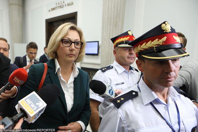 Sejm. Małgorzata Motylow opuszcza posiedzenie komisji do Spraw Kontroli Państwowej