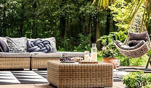 Meble na tarasie stworzą miejsce do odpoczynku na świeżym powietrzu