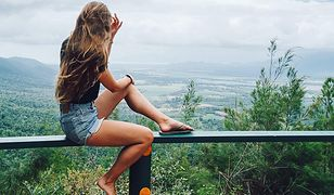 Lily o swoich przygodach opowiada na blogu oraz za pośrednictwem konta na Instagramie