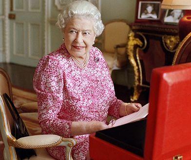 Co znajduje się w walizce królowej Elżbiety II?