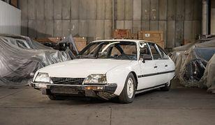 Jeden ze sprzedawanych samochodów, Citroen CX.