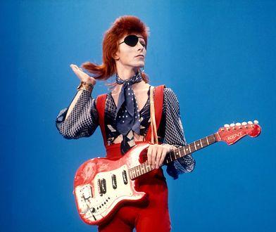 Historia słynnych czerwonych włosów Davida Bowiego