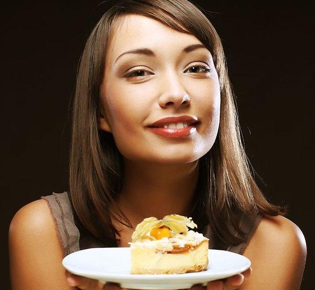 Estrogen powstrzymuje przed objadaniem się